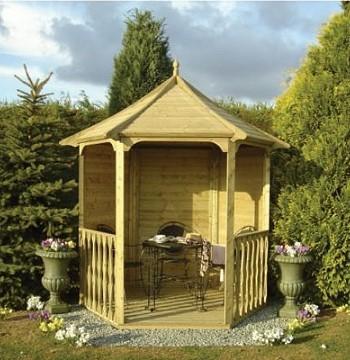 Сооружение арки на садовом участке