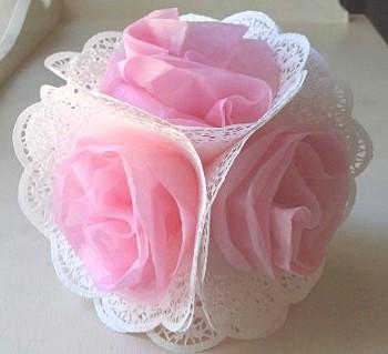 Шар из салфеток с розами